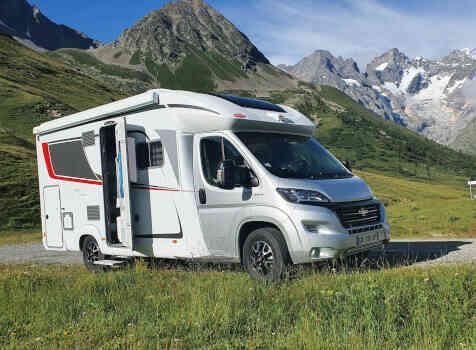 camping-car  BURSTNER LYSEO TD 680G  extérieur / face avant